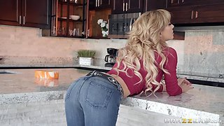 video titel: MILF blonde in jeans Cherie Deville gets cum on her perfect asshole || porn tgas: anal,ass,asshole,blonde,bravotube