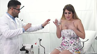 video titel: Kinky doctor sedates his patient and takes her to his dungeon || porn tgas: doctor,kinky,anyporn