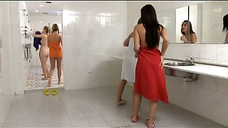 video titel: CFNM in the shower with girls || porn tgas: cfnm,girl,shower,iceporn