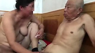 video titel: Muted chinese old man fucking grandma || porn tgas: amateur,asian,chinese,fuck,jizzbunker