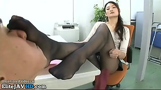 video titel: Japanese tall cougar in tights plays with office guy || porn tgas: cougar,gay,japanese,office,jizzbunker