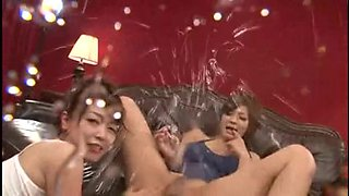 video titel: Japanese Lesbian Babes Feel It Smack It And Then Gulp Me || porn tgas: babe,japanese,lesbian,shower,