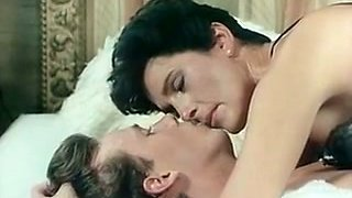video titel: Short haired elegant brunette milf gives amazing sensual head || porn tgas: amazing,brunette,sensual,mylust