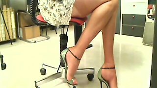 video titel: Super Sexy Office ! || porn tgas: foot,lingerie,nylons,office,xhamster
