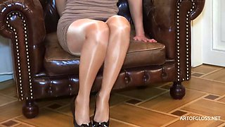 video titel: Week Brandy Shiny Fatal Neon 40 AVCHD || porn tgas: brunette,foot,nylons,pantyhose,xhamster