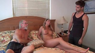 video titel: Stepmom, A Bed Time Story || porn tgas: bed,big cock,big tits,blonde,upornia
