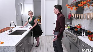 video titel: Good at cooking milf Dee Williams bangs her stepson in the kitchen    porn tgas: banged,kitchen,milf,stepson,anysex