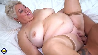 video titel: Chubby granny still wants an occasional casual fuck and mostly does it with younger guys || porn tgas: bbw,big tits,blonde,chubby,hotmovs