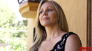 video titel: Julia Ann horny housewife Gets Fucked By a maxican Guy || porn tgas: fuck,gay,high definition,horny,pornone_com