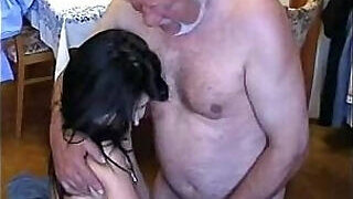 video titel: Hilarious old man fucks a kinky young bitch    porn tgas: anal,bitch,family,fuck,PornoSex