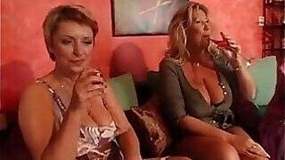 video titel: Drunk matures decide to enjoy a REAL orgy || porn tgas: drunk,enjoying,granny,mature,PornoSex