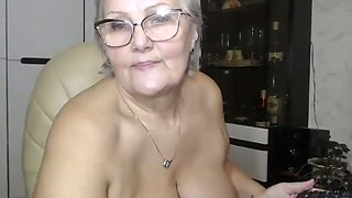 video titel: Cam of chubby granny fingering her big clit || porn tgas: bbw,big tits,camshow,chubby,mylust