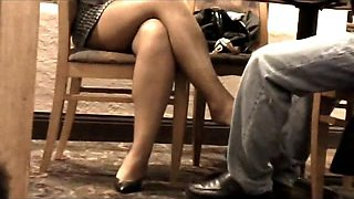 video titel: Business Meeting Leg Tease || porn tgas: amateur,foot,legs,lingerie,voyeurhit