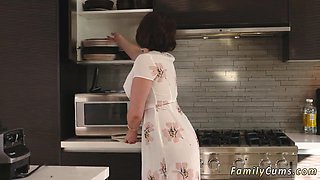 video titel: Russian teen kitchen table Auntie To The Rescue    porn tgas: aunty,big tits,blowjob,brunette,nuvid