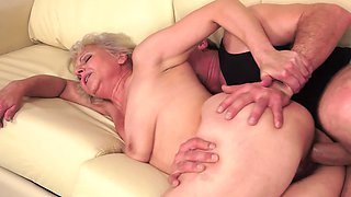 video titel: A fat granny is receiving a young cock in her hairy old pussy || porn tgas: bbw,big tits,blonde,blowjob,avideos