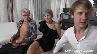 video titel: Family Sticks Together at a Swingers Club || porn tgas: amateur,big tits,blowjob,family,xhamster