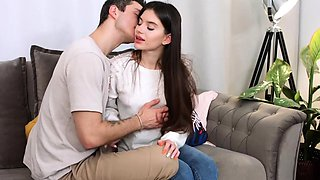 video titel: Romantic date and hot fuck    porn tgas: blowjob,brunette,date,doggy,
