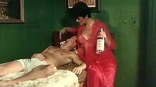 video titel: Short haired elegant brunette milf gives amazing sensual head || porn tgas: amazing,brunette,classic,milf,mylust