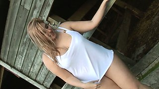 video titel: Busty Raphaella Farm Frolics || porn tgas: bbw,big tits,blonde,british,drtuber