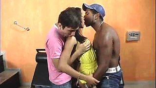video titel: stunning ebony bisexual threesome || porn tgas: 3some,amateur,bisexual,ebony,hd21