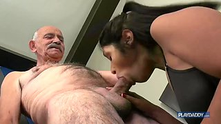 video titel: Old man fuck a young latina girl || porn tgas: beautiful,big ass,granny,hardcore,jizzbunker