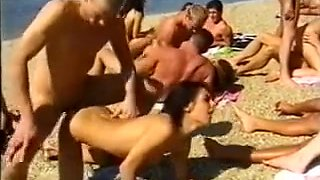 video titel: Horny Amateur video with Public, Outdoor scenes || porn tgas: amateur,beach,double,group,