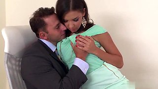 video titel: Sex in the office || porn tgas: amateur,office,old man,upornia