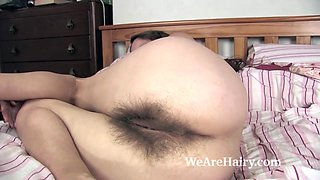 video titel: Josie gets naked in bed and masturbates with a toy || porn tgas: bed,masturbation,naked,toys,xhamster