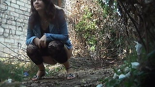 video titel: Piss Outdoor || porn tgas: outdoor,peeing,xhamster